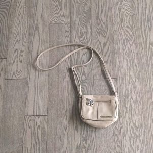 Mini bag by Kenneth Cole reaction 🌼